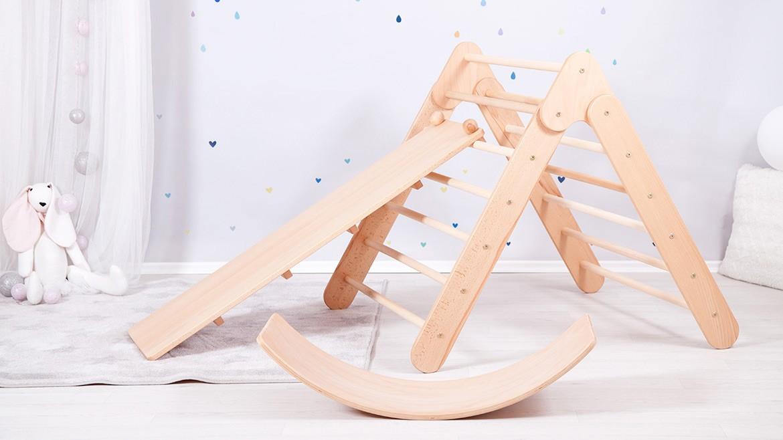 Folding and adjustable Pikler triangle set